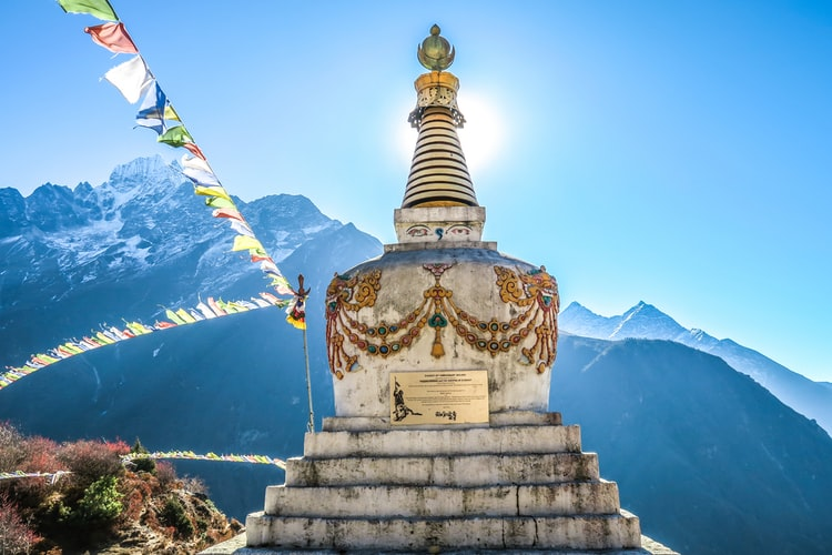 poon hill sunrise and everest view trek, everest high passes, everest base camp trek, everest base camp luxury lodge trek, everest view trek,