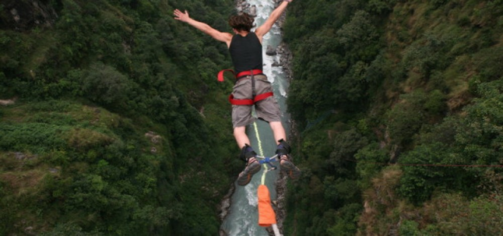 exhilarating-bungee-jumping