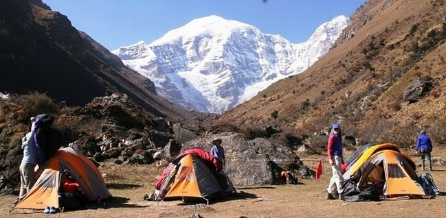 jomolhari alpine club of himalaya
